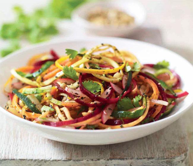 Keto Spicy Raw Vegetable Spaghetti